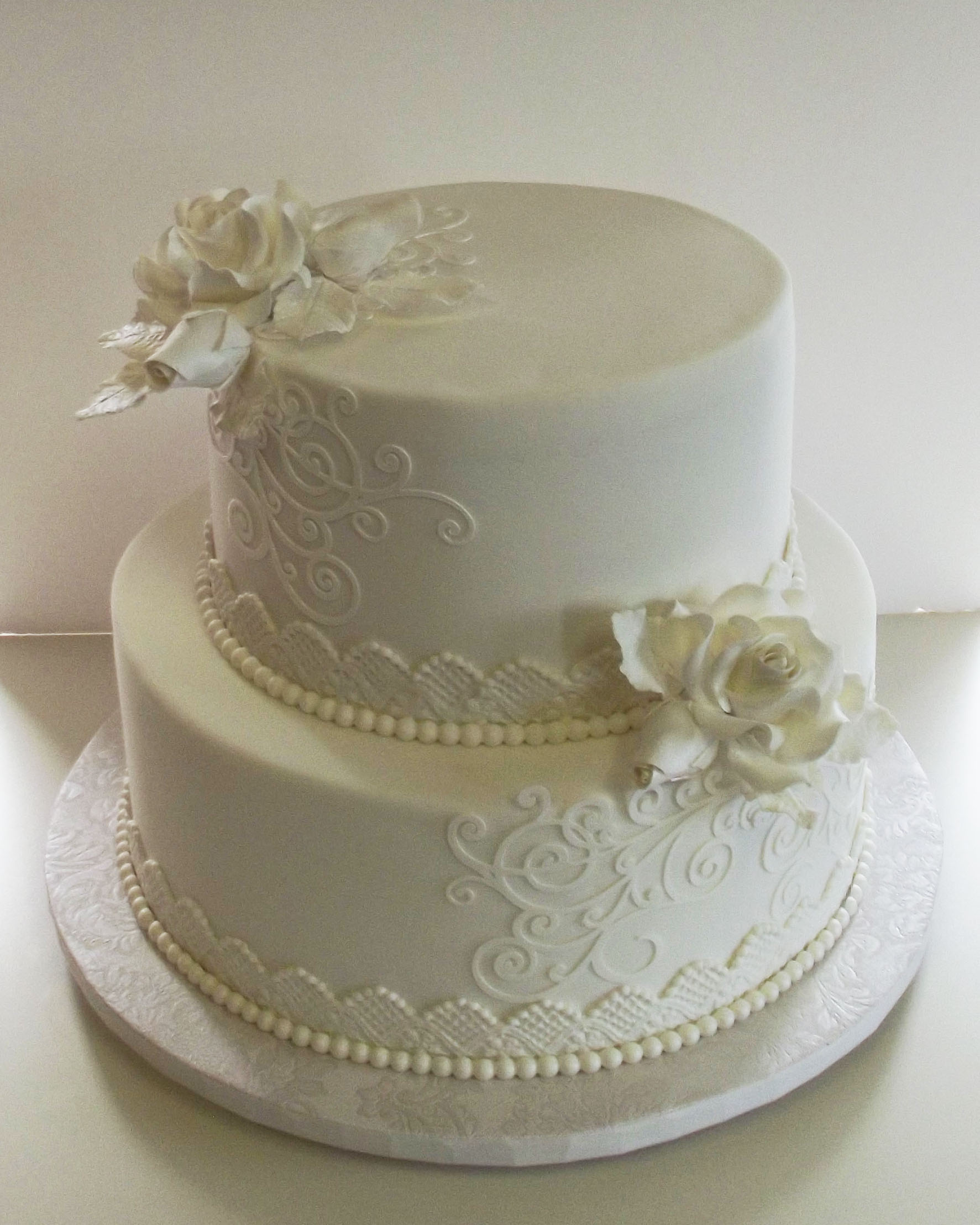 Small Wedding Cake With Cupcakes Simple